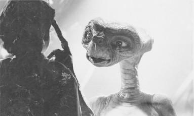 """Americanos satirizaram o canal de denúncias criado para denunciar imigrantes Foto: Cena do filme """"ET - O Extraterrestre"""" / Divulgação"""