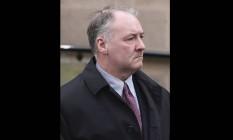 Foto da semana passada mostra o ex-cirurgião Ian Paterson chegando ao tribunal de Nottingham Crown em Nottingham, Inglaterra: júri o considerou culpado de 17 acusações de lesões corporais intencionais e ele pode pegar prisão perpétua Foto: AP/Joe Giddens