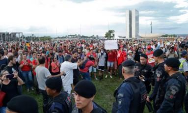 Manifestantes se reúnem na Esplanada dos Ministérios, em Brasília Foto: Ailton de Freitas / Agência O Globo