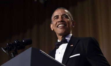 Durante encontro reservado, ex-presidente Obama ironizou a popularidade de Trump Foto: Susan Walsh / AP