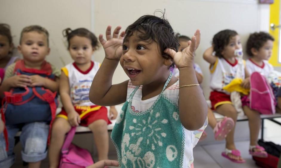 Em Pocinhos, interior da Paraíba, Samuel, que nasceu há dois anos com microcefalia, já começou a frequentar a creche neste ano Foto: Márcia Foletto / Agência O Globo