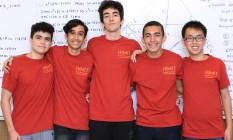 Medalhistas. António, João Mello, Rodrigo Ribeiro, Juan de Araujo e Felipe Chen. Foto: André Lima