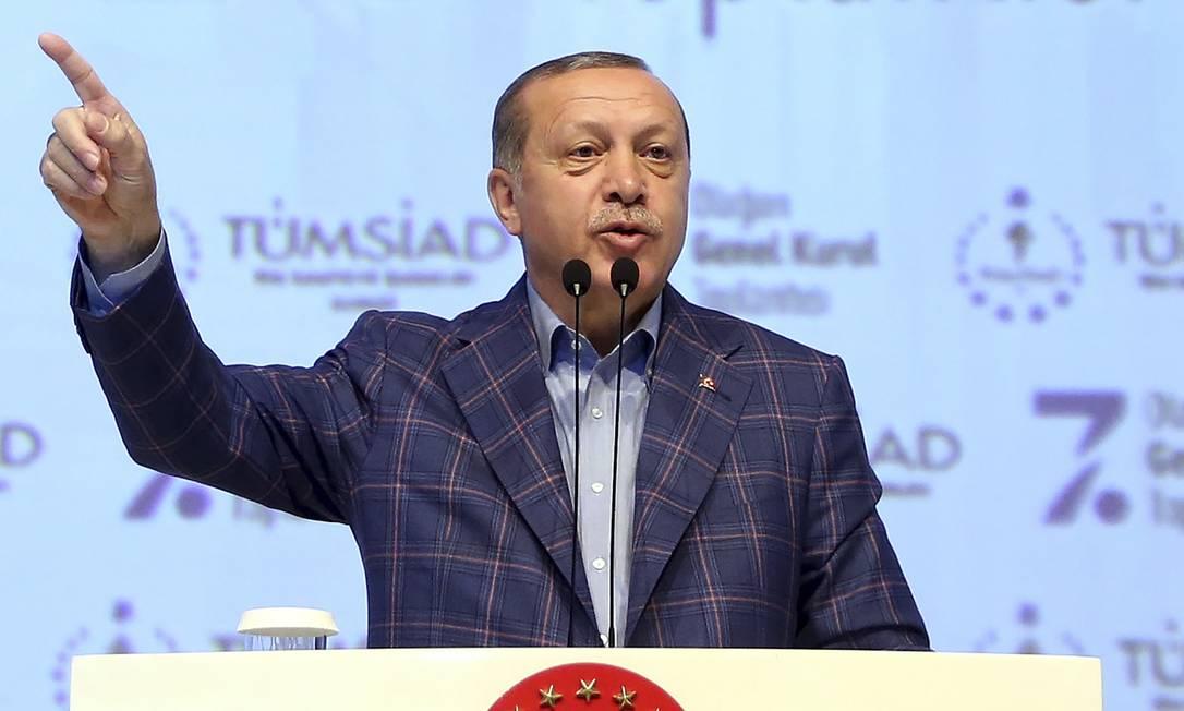 Governo turco realiza nova rodada de expurgos
