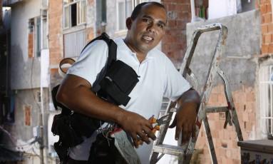 Raimundao é ativista Comunitario da Comunidade Tavares Bastos, no Catete Foto: Fábio Guimarães/ Agência O Globo
