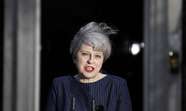 A primeira-ministra Theresa May Foto: STEFAN WERMUTH/REUTERS