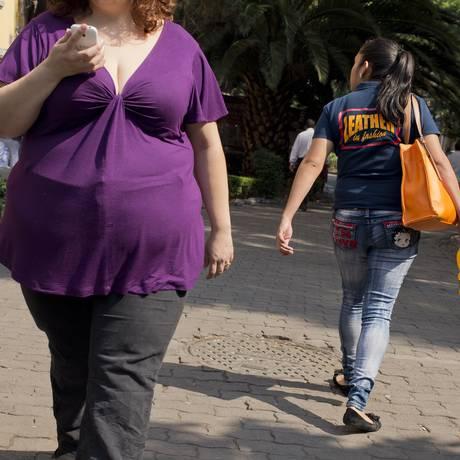 Pacientes que perderam mais de 5% do peso do corpo tiveram redução significativa de dano ao joelho Foto: Ronaldo Schemidt / AFP