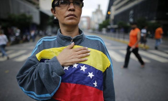 A oposição venezuelana é contra a convocação de uma Assembleia Nacional Constituinte Foto: Ariana Cubillos / AP