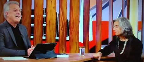 Presidente do Supremo Tribunal Federal, Cármen Lúcia, foi a primeira convidada do programa 'Conversa com Bial' Foto: Reprodução TV Globo