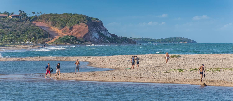 Encontro do Rio Gramame com o mar na Praia de Barra de Gramame, litoral sul da Paraíba. Foto: Antonio David Diniz / Divulgação/PBTur