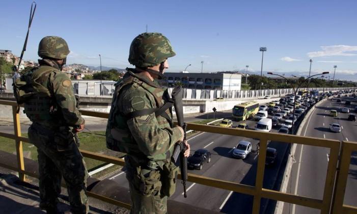 Mais de oito mil militares participaram do esquema de segurança da Rio +20 Foto: Márcia Foletto / Agência O Globo