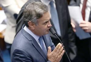 Senador Aécio Neves (PSDB-MG) em sessão plenária do Senado Federal Foto: Jorge William / O Globo