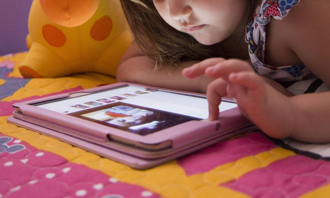 60e4f091999 Tablets e celulares podem atrasar desenvolvimento da fala - Jornal O ...