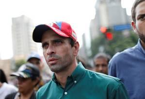 O líder opositor e governador do estado de Miranda, Henrique Capriles, participa de manifestação conta o presidente venezuelano, Nicolás Maduro, em Caracas Foto: CARLOS GARCIA RAWLINS / REUTERS