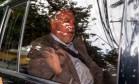 O ex-diretor de Serviços da Petrobras Renato Duque chega na sede da Justiça Federal, em Curitiba, para prestar depoimento Foto: Geraldo Bubniak / Agência O Globo
