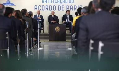 Resultado de imagem para Políticos, empresas e universidades enviam carta aberta à ONU a favor do Acordo de Paris