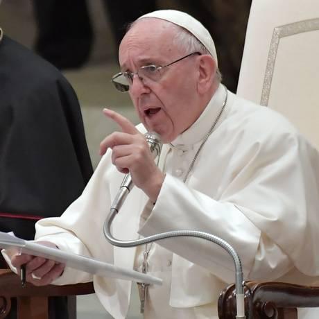 O papa Francisco falou durante evento ligado à paz e aos direitos humanos realizado no Vaticano Foto: TIZIANA FABI / AFP