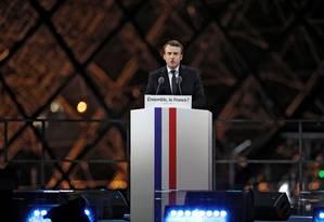 Presidente eleito Emmanuel Macron faz seu discurso de vitória perto do Louvre, em Paris Foto: BENOIT TESSIER / REUTERS