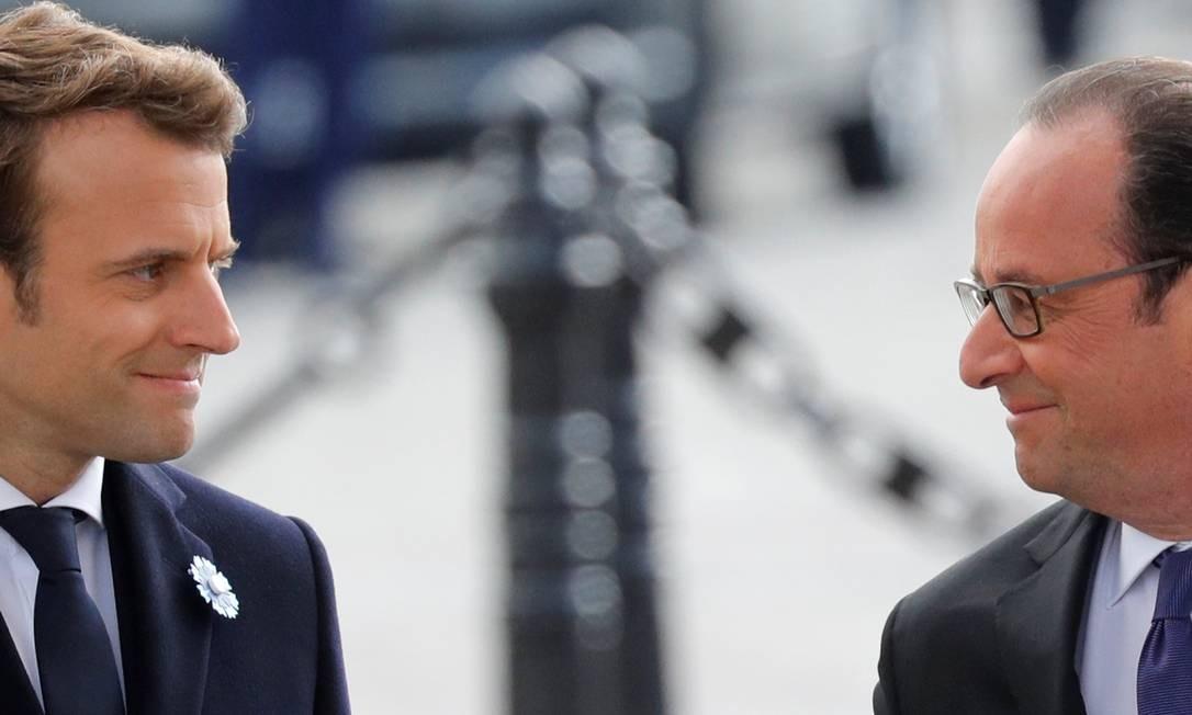 Hollande comemorou a vitória do seu ex-ministro da Economia e prometeu se manter sempre próximo ao futuro presidente de 39 anos Foto: PHILIPPE WOJAZER / REUTERS