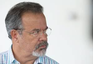 Raul Jungmann considera que plano de segurança para o Rio deve atacar cadeia de comando do crimne organizado Foto: André Coelho / Agência O Globo