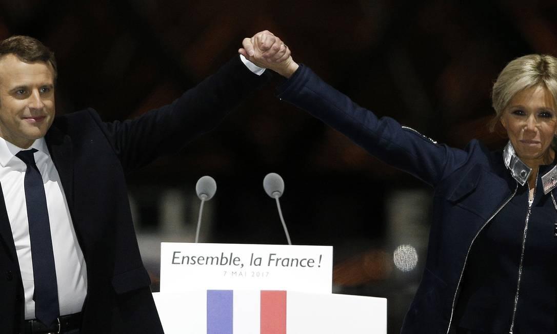 Familia De Macron Ficou Em Choque Quando Descobriu Namorada 24 Anos Mais Velha Jornal O Globo