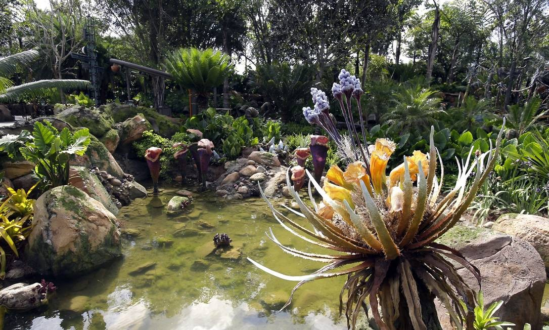 O paisagismo do local foi feito com espécies de plantas terrestres reais misturadas com uma flora artificial Foto: John Raoux / AP