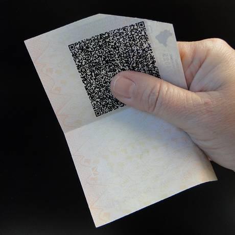 Código é impresso no verso da CNH Foto: Divulgação/Detran