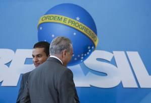 O ministro Marcos Pereira, ao lado do presidente Michel Temer Foto: Ailton de Freitas / Agência O Globo