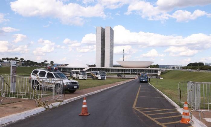 Um ano na Presidência em meio à desconfiança dos brasileiros — Temer