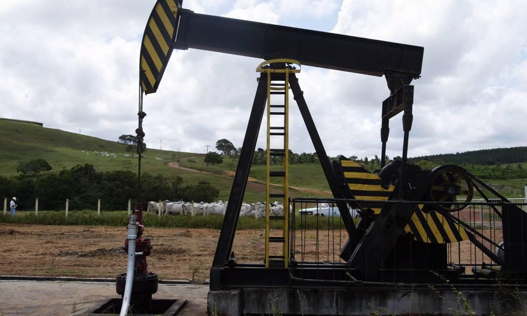 Exploração de petróleo: dez empresas participam da disputa Foto: / Fábio Rossi
