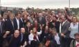 Lula e outros políticos posam para foto antes do depoimento Foto: Reprodução