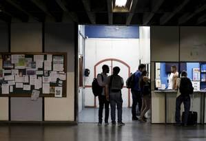Ex-alunos relatam que a Uerj enfrenta problemas desde governos anteriores Foto: Domingos Peixoto / Agência O Globo