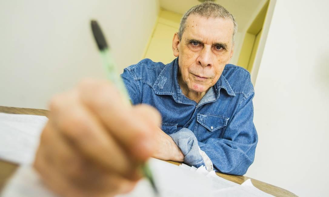 Sérgio Sant'anna, de 78 anos, morreu com sintomas da Covid-19 Foto: Bárbara Lopes / Agência O Globo