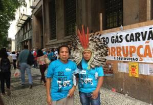 Índios de uma etnia de Curitiba participam do protesto no Centro do Rio Foto: Ramona Ordoñez