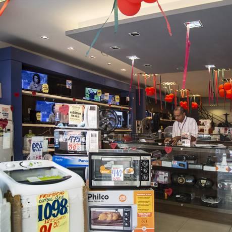 Comércio ainda vazio. Foto Ana Branco / Agencia O Globo