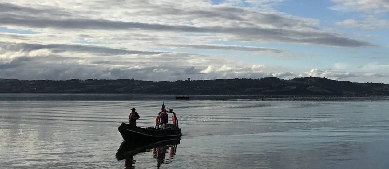 Lago. O Huillinco, casa de botos, também é área de pesca Foto: Fotos de Renato Góes
