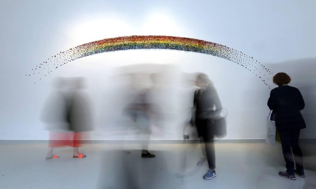 """""""Rainbow"""", instalação de Gyula Varnai no Pavilhão Húngaro Foto: STEFANO RELLANDINI / REUTERS"""