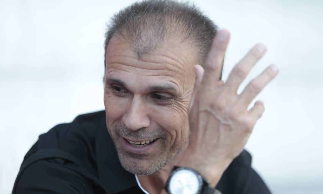 Milton Mendes afirmou que jogadores brasileiros precisam entender parte tática desde a base Foto: Roberto Moreyra / Roberto Moreyra