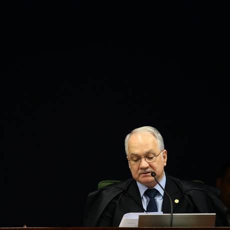 O ministro Luiz Edson Fachin fala em reunião da Segunda Turma do STF Foto: Jorge William / Agência O Globo
