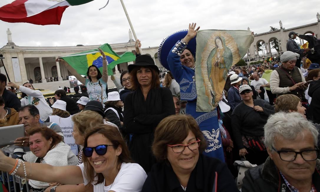 A expectativa é de que 1 milhão de fiéis circulem por Fátima entre esta sexta-feira e sábado, 13 de maio Foto: Armando Franca / AP