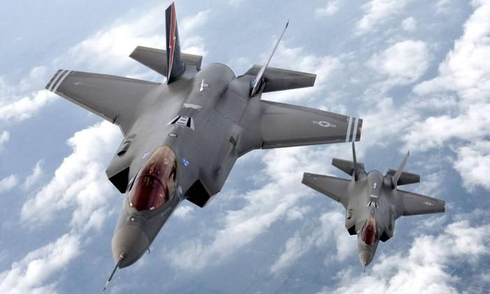 Modelos de jatos F-35 que teriam tido plantas copiadas pelos chineses Foto: Reprodução / securityaffairs.co