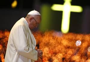 Papa Francisco na cerimônia de velas da Capela das Aparições no Santuário de Nossa Senhora de Fátima em Portugal Foto: TONY GENTILE / REUTERS