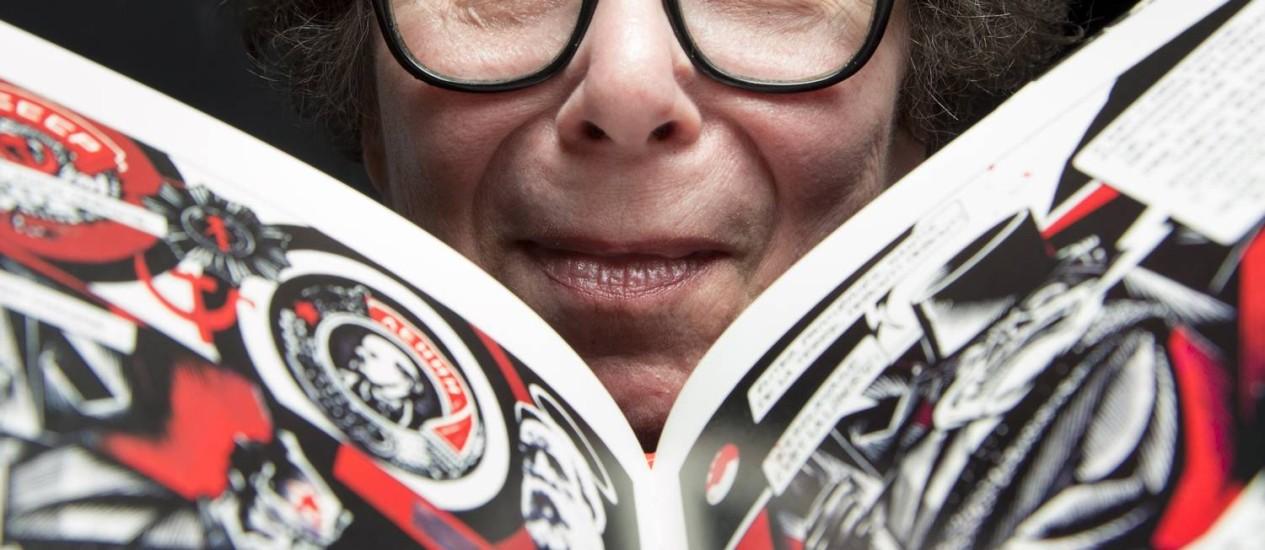 """""""Cada vez mais mulheres produzem, mas ainda há um padrão de criatividade"""", diz a quadrinista Chantal Montellier Foto: Leo Martins / Agência O Globo"""