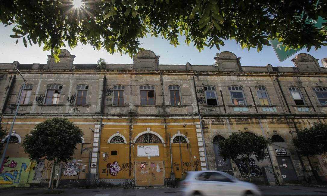 O Armazém Cultural das Artes, que fica na Avenida Venezuela, na Gamboa: imóvel, assim como o prédio do Galpão Aplauso, está na mira do Inepac Foto: Alexandre Cassiano / Agência O Globo