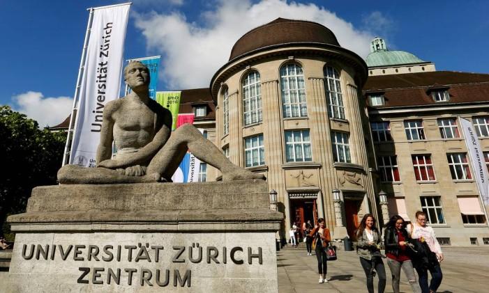 Fachada da Universidade de Zurique Foto: Arnd Wiegmann / REUTERS