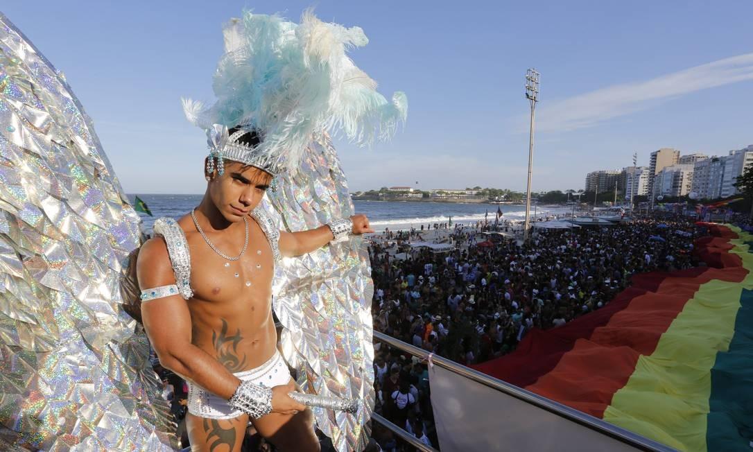 Participante da parada em 2013, durante a 18ª edição da parada Foto: Fábio Rossi / Agência O Globo