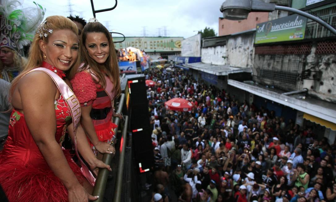 Em 2008, 1 milhão de pessoas estiveram na passeata em Madureira, que teve entre suas maiores atrações Valesca Popozuda e Viviane Araújo Foto: Marcelo Franco / O Globo