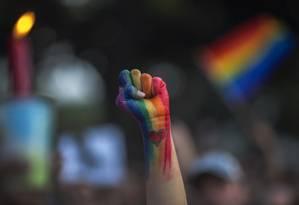 Símbolo de ações LGBT Foto: DAVID MCNEW / AFP
