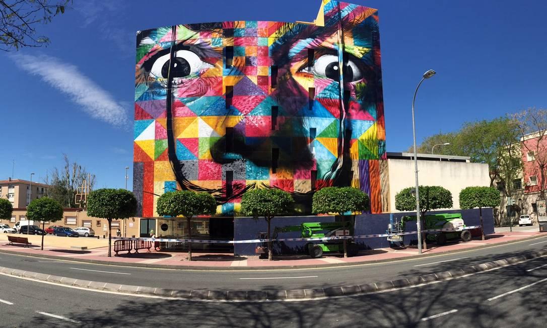 Obra inspirada em Salvador Dalí, em Murcia Foto: Divulgação