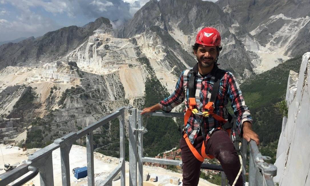 Eduardo Kobra nas pedreiras de Carrara Foto: Divulgação