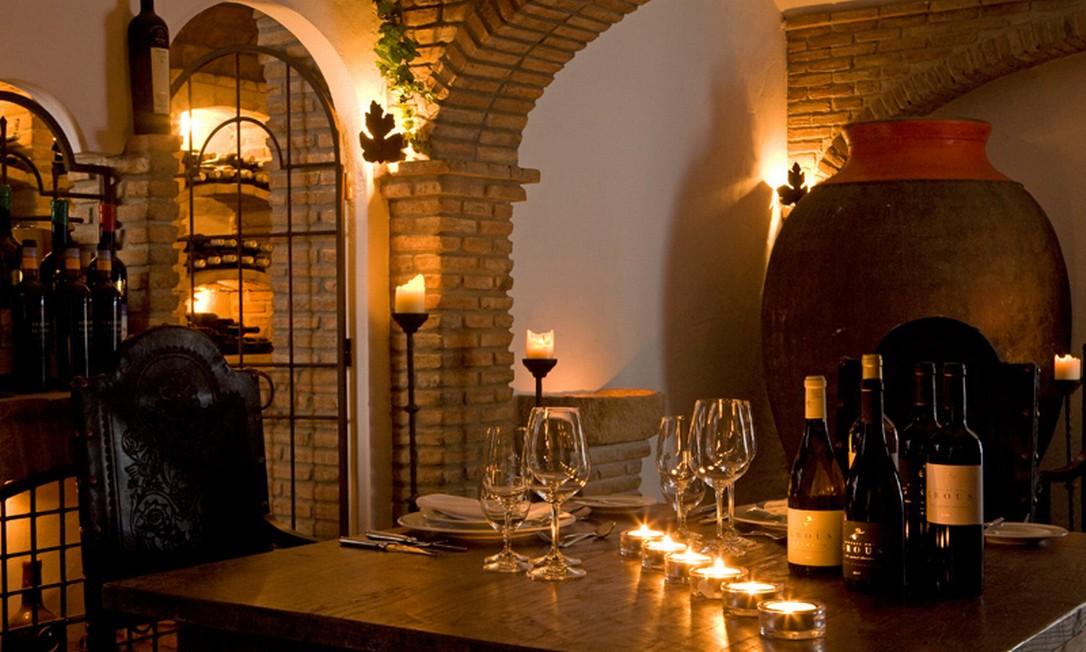 Bar de vinhos para degustação da Herdade dos Grous Foto: Reprodução do site http://www.herdade-dos-grous.com/